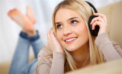 Mendengarkan Musik 4 manfaat sehat mendengarkan musik terhadap tubuh segiempat