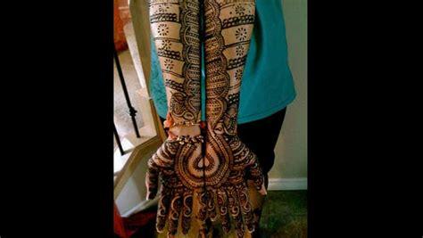 10 Beautiful Bangle Mehendi Designs