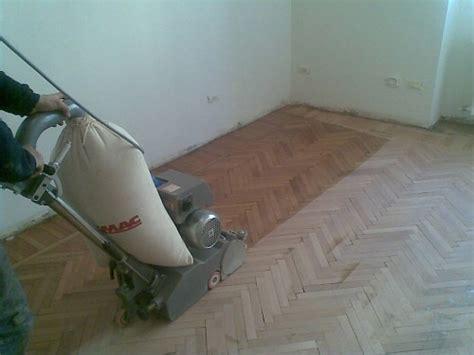 levigare pavimento levigatura verniciatura posa in opera e riparazioni