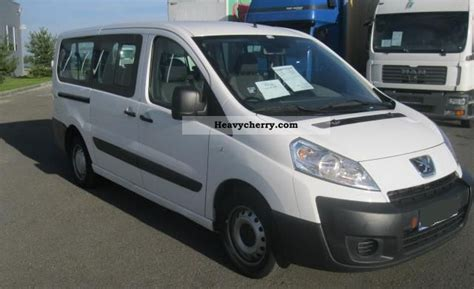 peugeot expert 2 0 hdi 9 seater 2009 estate minibus up