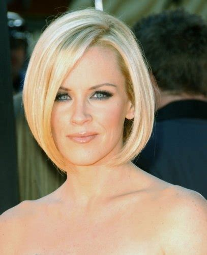 does jenny mccarthy have hair extensions with her bob jenny mccarthy hair style evolution