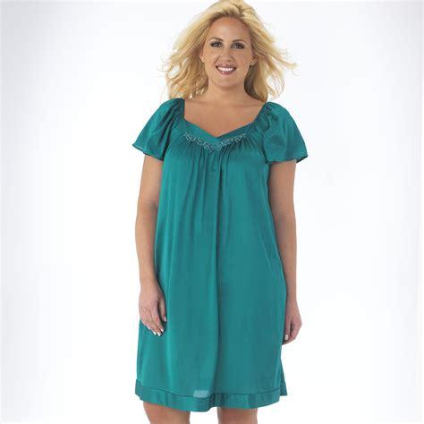 vanity fair nightgown hairstyle 2013