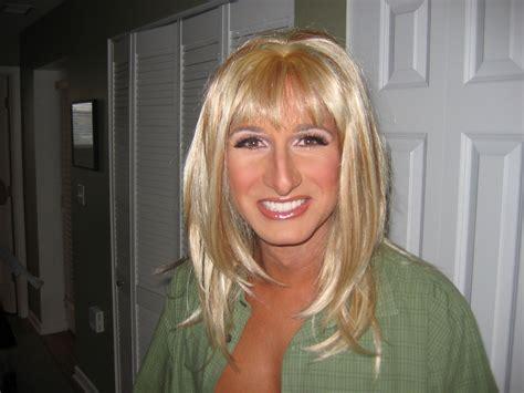 cross dressing file flickr blonde wigged man crossdressing jpg
