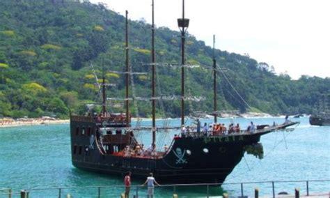 barco pirata camburiu passeio de barco em balne 225 rio cambori 250 santa catarina