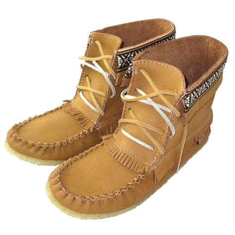 mens indian moccasins boots best 25 mens moccasin boots ideas on