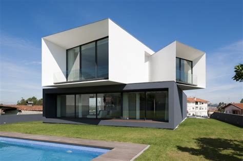 multi level house modern multi level house in portugal captures snapshots of
