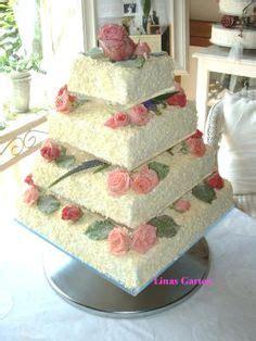 Hochzeitstorte 4 Eckig by Eckige Hochzeitstorte Mit In Bordeaux Torten