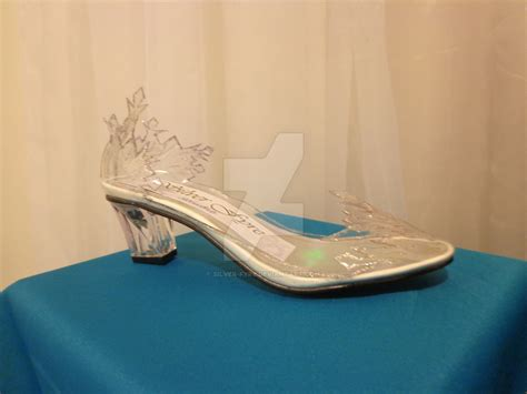 elsa shoes elsa from frozen shoe by silver fyre on deviantart