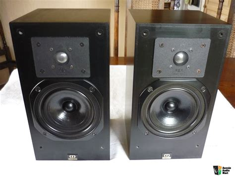 monitor audio monitor 9 bookshelf speakers in mint