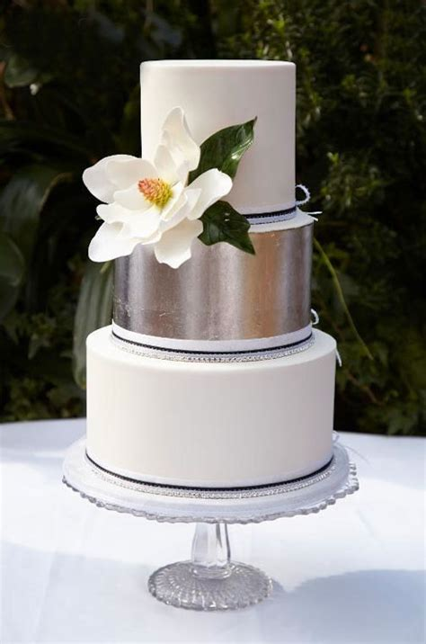 hochzeitstorte quadratisch modern pretty simple wedding cake designs