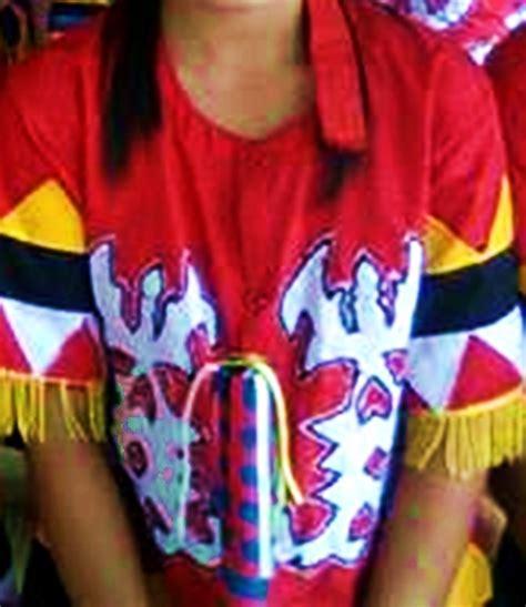 Baju Adat Dayak Tunjung pakaian adat khas suku dayak tunjung be what you want to be