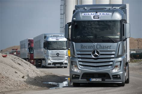 mercedes truck mercedes benz wins german truck award