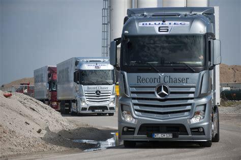 mercedes truck mercedes benz wins german truck award
