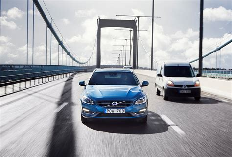 volvo  test  driving cars  real customers   wired