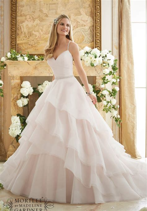 Wedding Dress Trends by Wedding Dress Trends For 2017 Brides