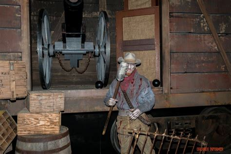 ghost storm the b horror blog step inside the original houses at halloween horror nights