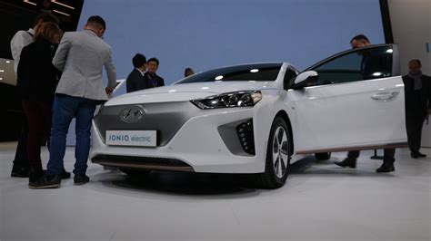 hyundai ioniq    iconic cnet  cars episode  video roadshow