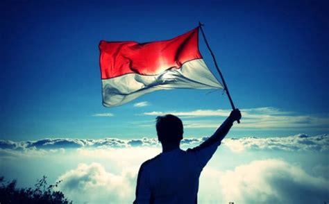 warna bendera indonesia  merah  bukan oranye