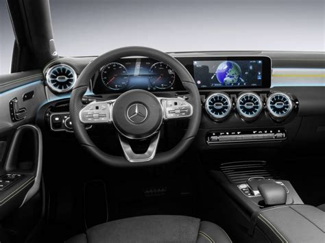 mercedes dashboard het nieuwe dashboard de mercedes a klasse is