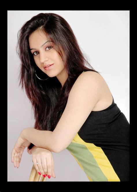 telugu heroine hot hd photos download aksha unseen hot hd wallpapers aksha picture gallery
