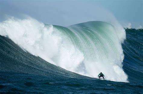 Surfer nearly drowns at Titans of Mavericks big wave surf contest   GrindTV.com