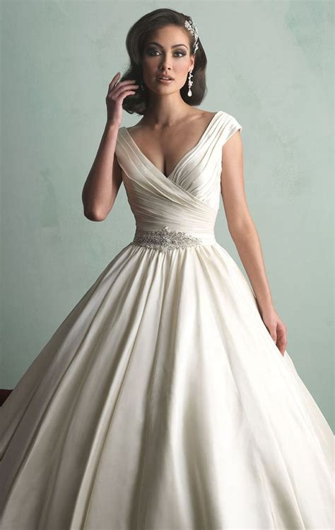 Satin Wedding Dress by The 25 Best Ideas About Satin Wedding Gowns On