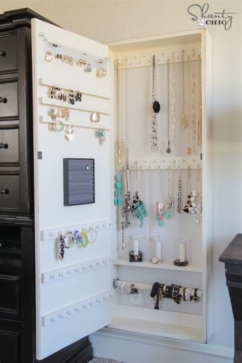 Diy The Door Jewelry Organizer by Diy Jewelry Organizer Shanty 2 Chic