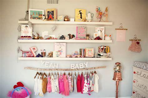 decoração quarto de bebê tema bonecas aprenda como decorar o quarto de beb 195 170 gastando pouco