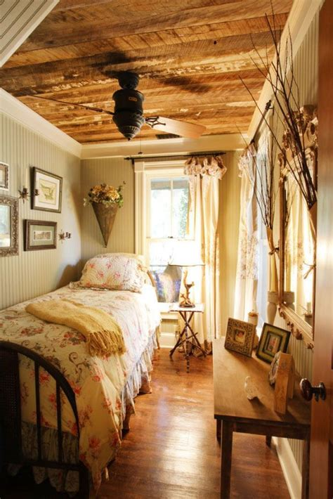 country cottage bedrooms best 25 country cottage decorating ideas on pinterest
