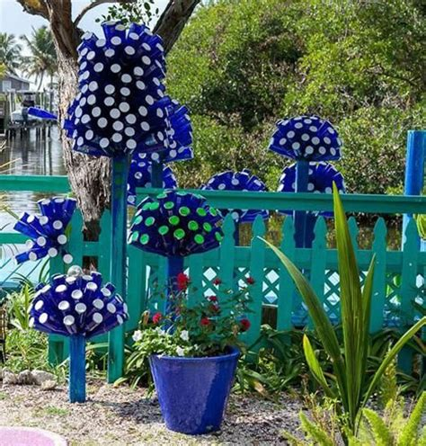 outdoor yard decorating ideas glass recycling ideas for green building and outdoor home decorating recycling bottles and