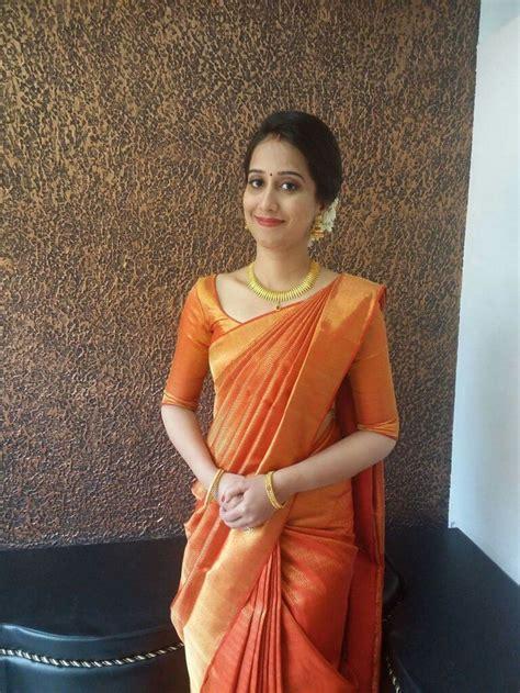 south indian saree draping oltre 1000 idee su sarees india meridionale su pinterest