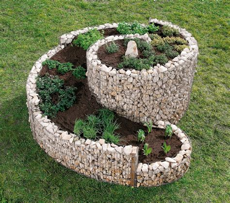 pietre giardino gabbioni in pietra in giardino idee e consigli