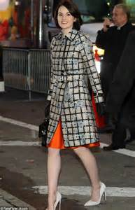 Michelles Arrives At Nyc Apt This Morning by Downton S Dockery Challenged To Of