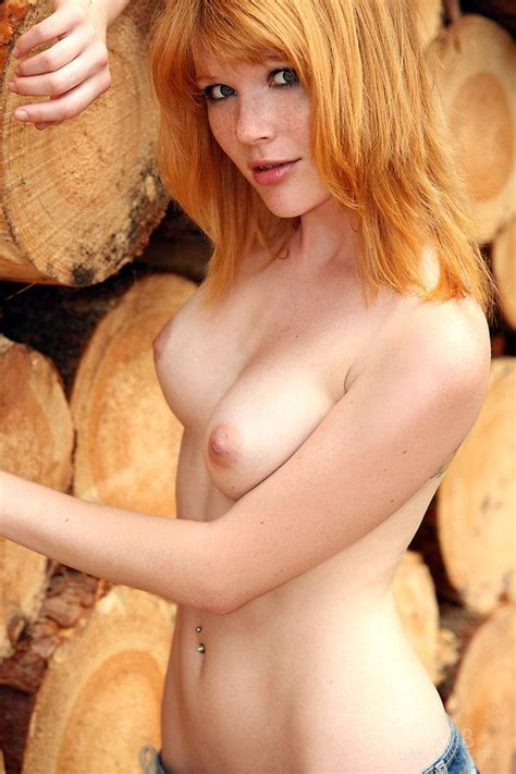 Lynette Very Sexy Busty Teen Redhead Xxx Photo
