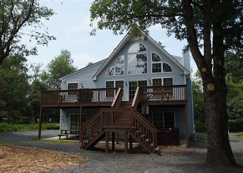 Cabins In Poconos For Rent by Poconos Cabin Rentals Pocono Mountain Rentals
