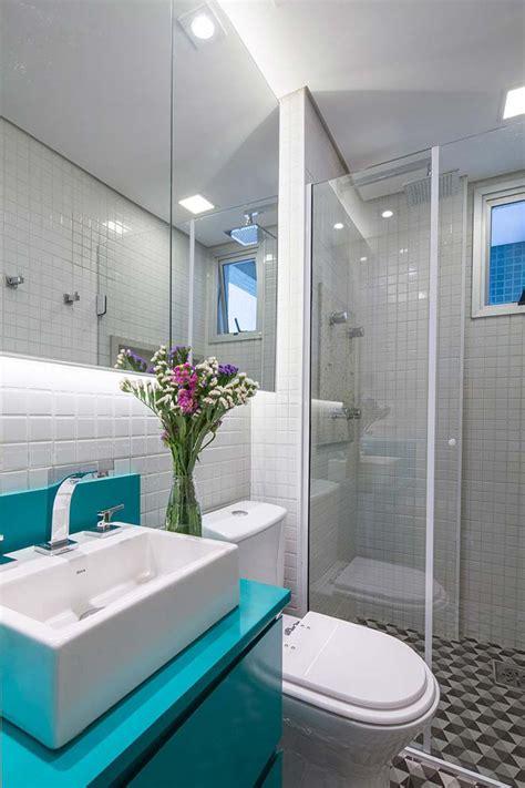 decoração de banheiro pequeno todo branco banheiros pequenos decorados 100 ideias fotos e projetos