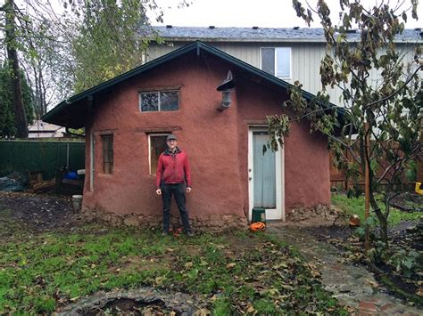 how to reside a house urban pioneer builds a tiny cob house and shows how to live sustainably in modern