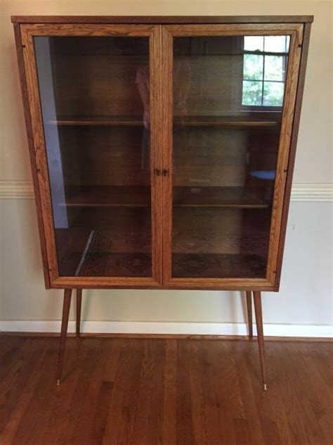 jb van sciver china cabinet mid century glass front display cabinet by broyhill
