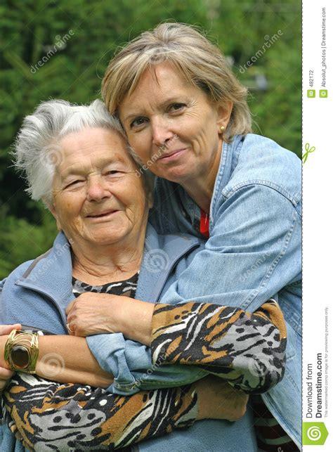 fotograf 237 a oto 241 o en mendoza de luis vizioli en fotonat org madre e hija en el parque junto fotos de archivo buscar