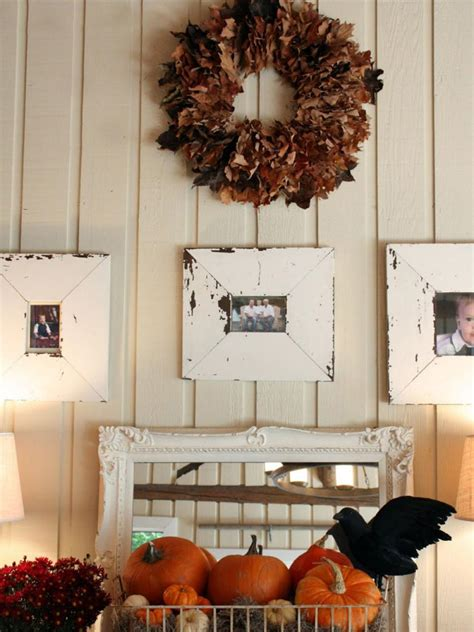 elaineorth decorating your it s 9 ways to deck out your walls for fall hgtv