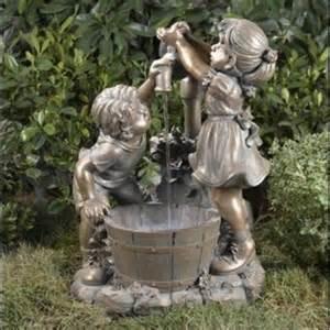 1000 fontaines vous propose une gamme d une centaine de grandes