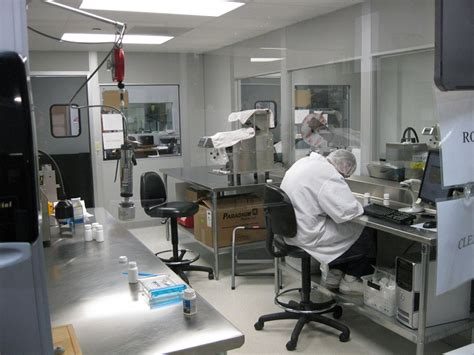 pharmaceutical laboratory cleanroom modular cleanrooms