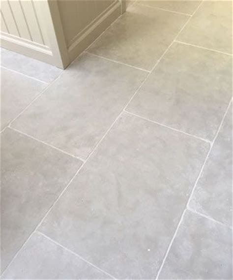Laying Limestone Floor Tiles by 25 Best Ideas About Kitchen Flooring On