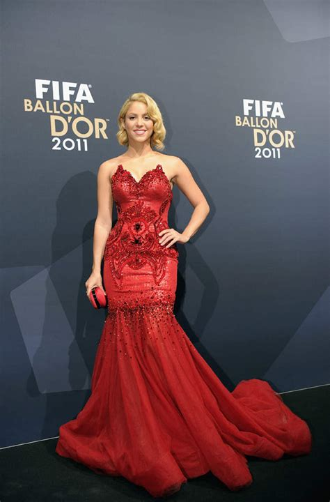 Dress Syakira shakira in a dress at fifa gala