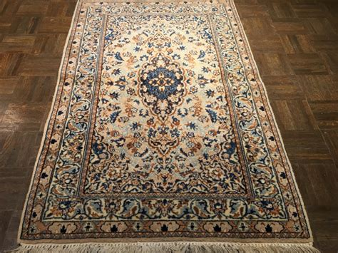 2 6 x 4 rug nain antique rug 2 11 ft x 4 6 ft