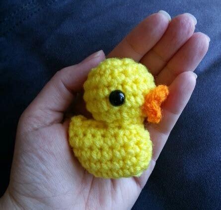 crochet pattern for yellow duck duck crochet pattern hookers don t bite
