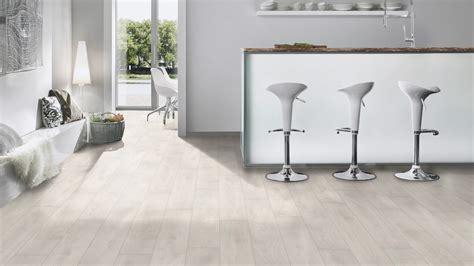 pavimento laminato in bagno pavimento laminato in bagno casa immobiliare accessori