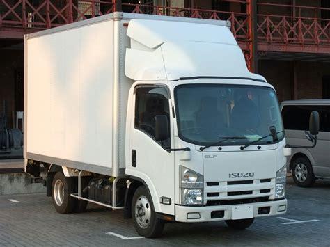 file isuzu 6th hi cab white box truck jpg