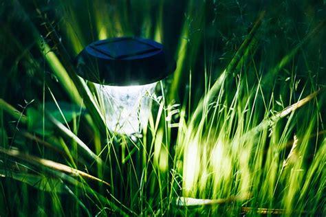 luces de jardin iluminaci 243 n jard 237 n la magia de la luz verdecora