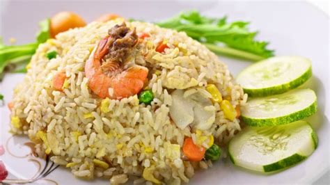 membuat nasi goreng cara how to make salted fish fried rice cara membuat nasi
